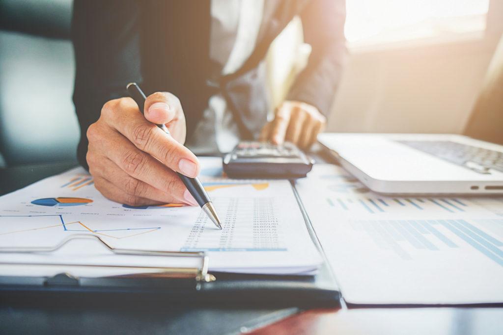 Tax expert calculating HST rebate